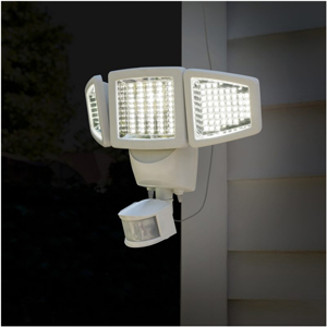 sunforce 150 led triple head solar motion light