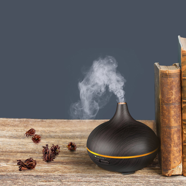 VicTsing 150ml Mini Aroma Essential Oil Diffuser with 20 10ml Essential oils A-B003