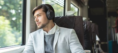 1_Industry-Leading Noise Cancellation