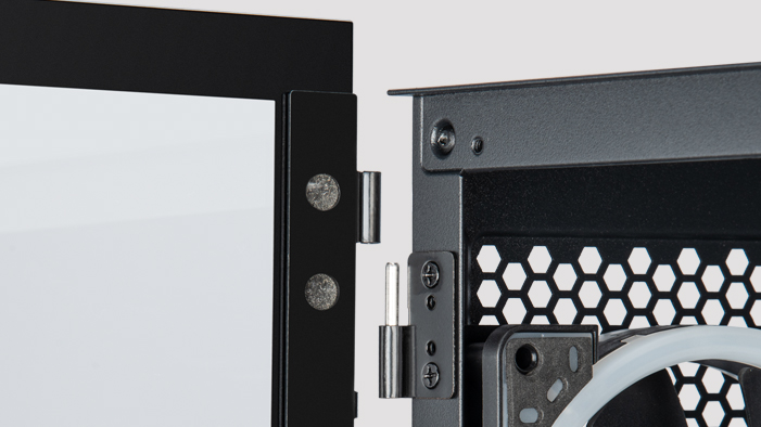 the glass side panel hinge of the gaming case