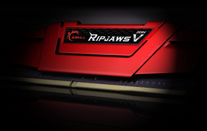 a red Ripjaws V series module