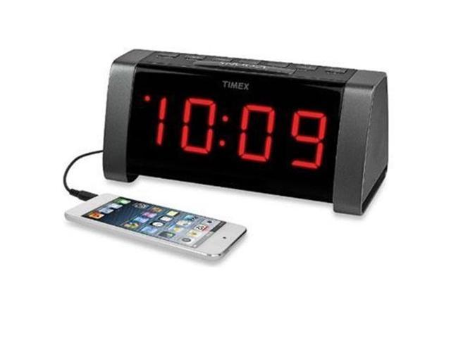 timex t235b am fm dual alarm clock radio with jumbo 1 8 led display aux input black. Black Bedroom Furniture Sets. Home Design Ideas
