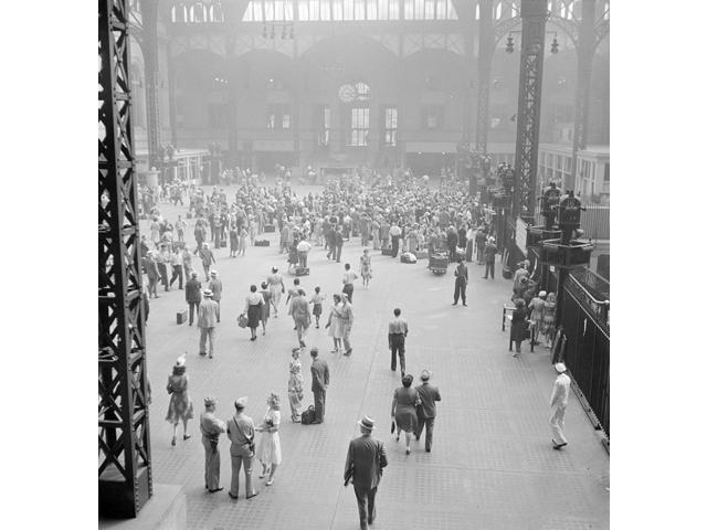 NYC Penn Station 1942 Poster Print by Science Source (18 x 24)