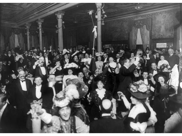 New YearS Eve C1907 Nnew YearS Eve Party At Restaurant Martin In New York City C1907 Poster Print by  (18 x 24)