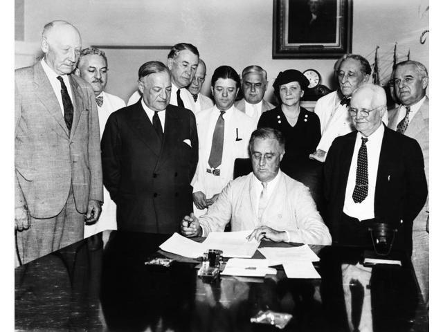 president franklin d roosevelt and the social security act President franklin droosevelt establish social security to provide economic security it was originally named as economic security act but was changed therefo.