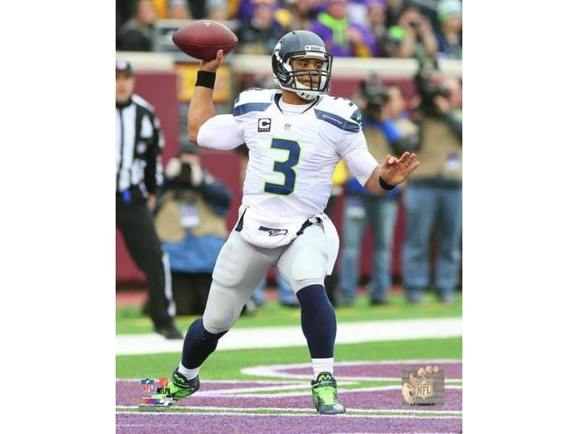Russell Wilson 2015 Action Photo Print (8 x 10)