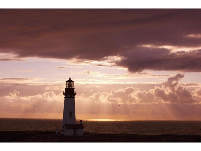 Oregon United States Of America Sunset Over Yaquina Head Lighthouse On The Oregon Coast Poster Print (18 x 12)