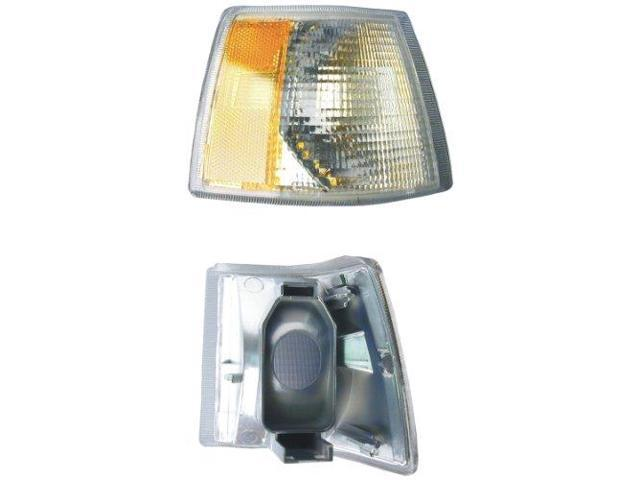 URO 6817774 Turn Signal Light Right URO Parts 6817774 fits 93-97 Volvo 850 Stage