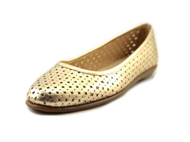 Aerosoles Between Us Women US 9.5 Gold Flats