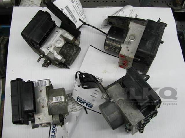 2014 - 2015 Hyundai Elantra Anti Lock Brake Unit 6K Miles OEM