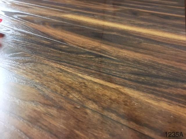 Laminate Flooring 12mm Thick Part - 21: 12mm Thick, AC3, CARB2, V-Groove, Click Laminate Flooring Cottage Collection