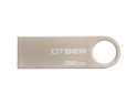 Kingston DataTraveler SE9 DTSE9H 32 GB USB 2.0 Flash Drive - 1 Pack