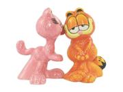 Arlene Kissing Garfield Cat Salt and Pepper Shaker Set