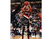 Damen Lillard Signed 8x10 Photo w/ ROY Insc