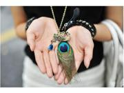 Charming Peacock with Big Feather Inlaid Crystal Pendants Zinc Alloy Long Link Chain Necklaces for Ladies Gift