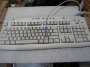 LOGITECH 967038-0403 Internet Keyboard PS/2 (White BOX)