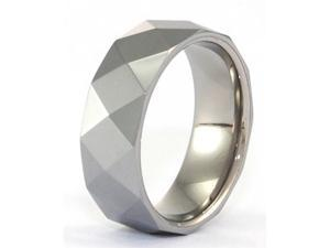 Tungsten Carbide, inner part is titanium, has Facets, Comfort Fit