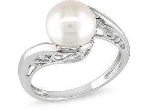 10k White Gold Cultured Freshwater Pearl Ring