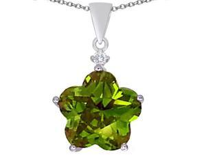 Original Star K(TM) Large 14mm Flower Shape Star Pendant with Simulated Peridot