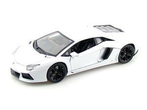 Lamborghini Aventador LP700-4 1/18 White