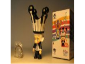 Toy2R Molly Qee 2.5 inch Pian Piano Black