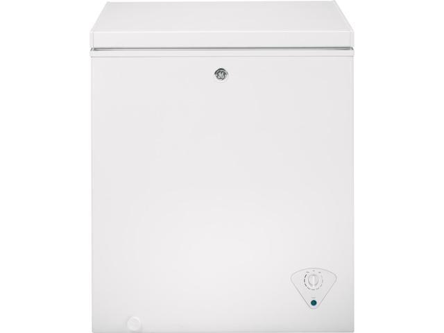 GE - 5.0 Cu. Ft. Chest Freezer - White photo
