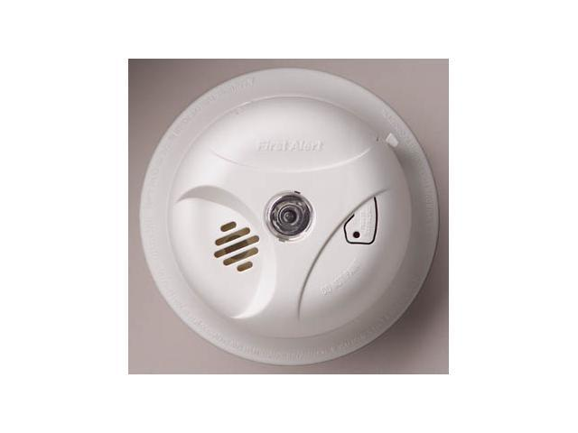 First Alert SA304CN3 Battery Operated Smoke Alarm with Escape Light