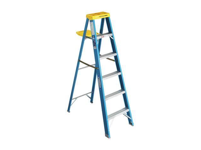 Werner 6004 4' Fiberglass Step Ladder
