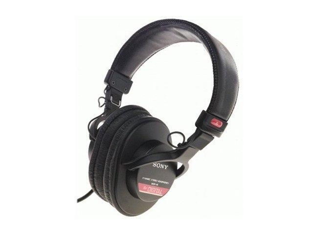 SONY MDR-V6 3.5mm/ 6.3mm Connector Circumaural Studio Monitor Series Headphone