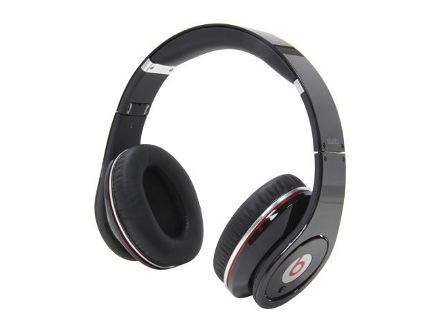 Beats by Dr. Dre Black Studio 3.5mm Connector On Ear Powered Isolation Headphone (Black)