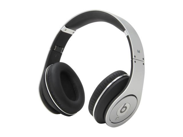 Beats by Dr. Dre Silver Studio 3.5mm Connector On Ear Powered Isolation Headphone (Silver)