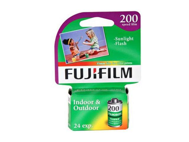 FUJIFILM 15719395 Superia 200 Color Film Roll