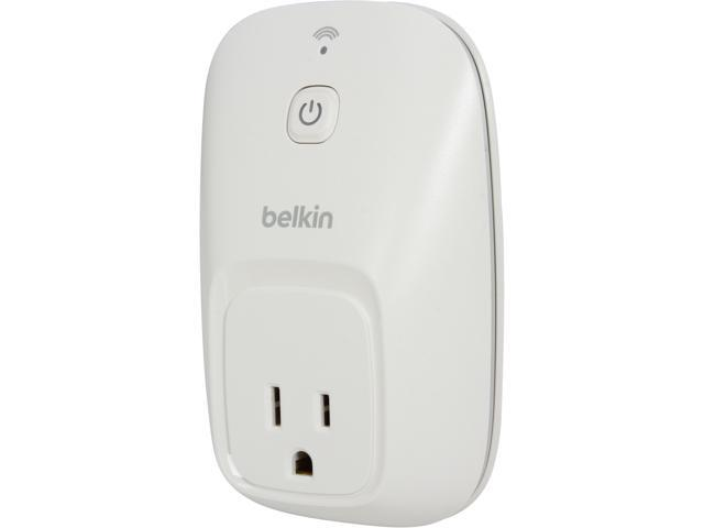 Belkin F7C027fc WeMo Switch, Operates over Wi-Fi/mobile internet, turn electronics on or off