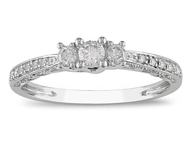 10K White Gold 1/4 ctw Diamond Three-Stone Ring G-H,I2-I3