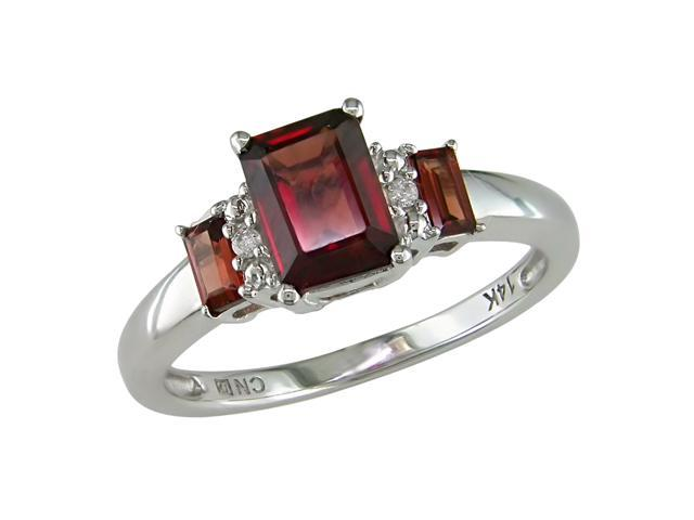 10K White Gold .02 ctw Diamond and Garnet Ring