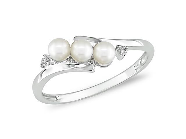 3.5-4 mm Freshwater Pearl and Diamond Accent Ring in 10k White Gold