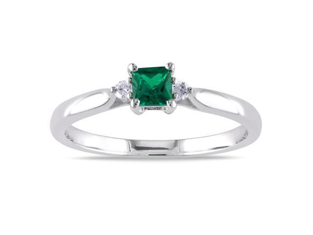 Amour Sterling Silver 1/5ct TGW Created Emerald and 0.04ct TDW Diamond Ring (H-I, I2-I3)