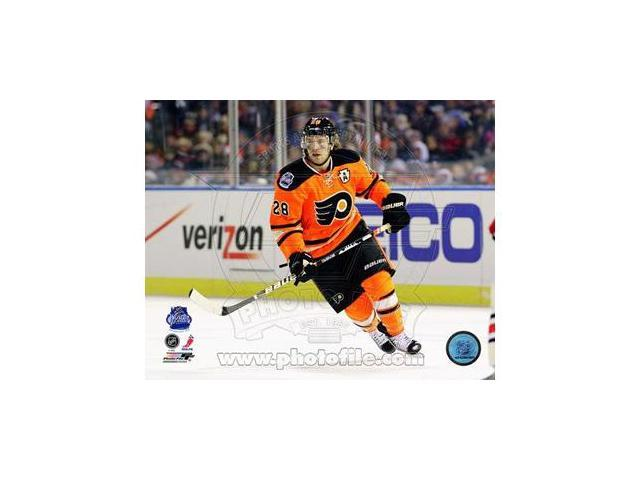 Photofile PFSAAOK13601 Claude Giroux 2012 NHL Winter Classic Action Poster by Unknown -8.00 x 10.00