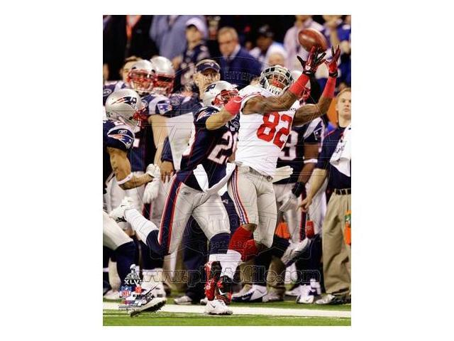 Photofile PFSAAOM24901 Mario Manningham Catch Super Bowl XLVI Poster by Unknown -8.00 x 10.00