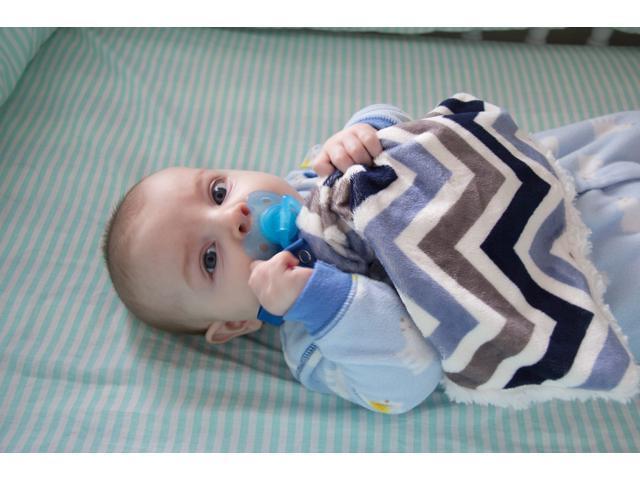 Bb Emerald Indoor Outdoor Travel Comfort Safety Newborn Infant Child Soft Baby Blue Chevron Minky Pacifier Blanket