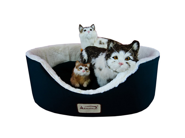 Armarkat Indoor Soft Plush Comfortable Pet Cat Dog Kitty Warm Cushion Sleeper Bed Laurel Green Ivory