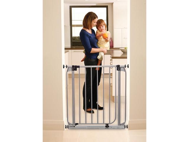 Dream Baby Home Indoor Dawson Swing Closed Hall Staircase Safety Baby Infant Security Gate Silver