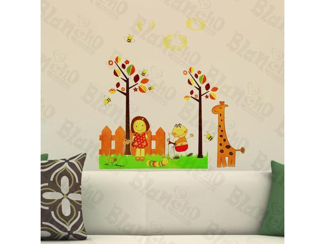 Home Kids Imaginative Art Giraffe And Bee - Wall Decorative Decals Appliques Stickers