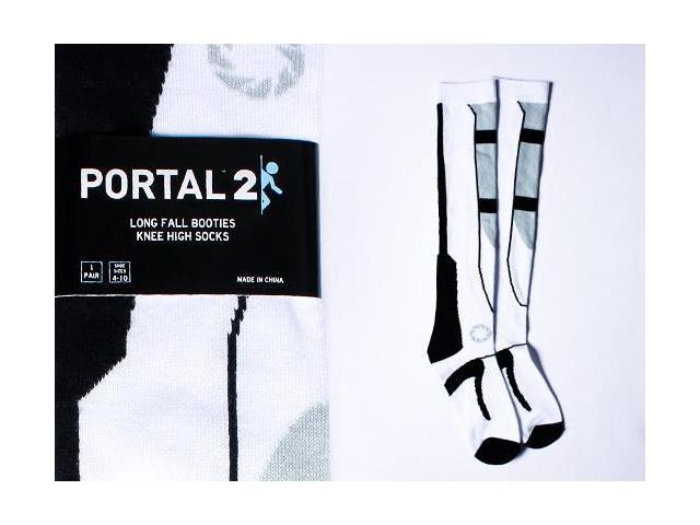 Portal 2 Black/White One Size Long Fall Socks