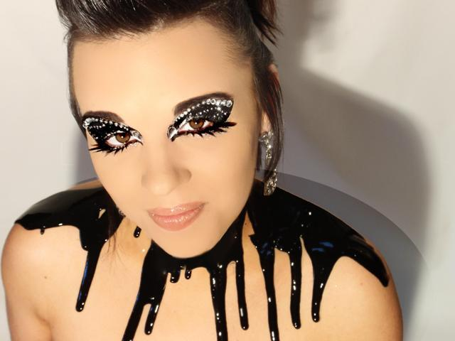 Xotic Costume Glitter& Rhinestone Eye Makeup&Eyelash Kit Midnight