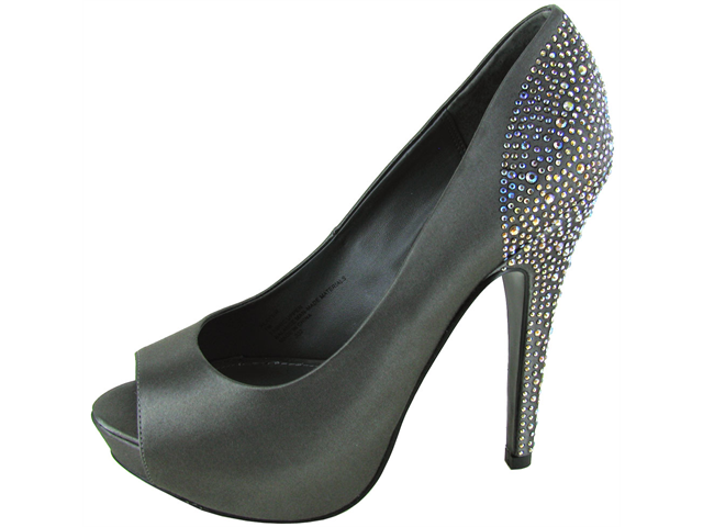 Steve Madden Women's 'Playy-R' Studded Pump