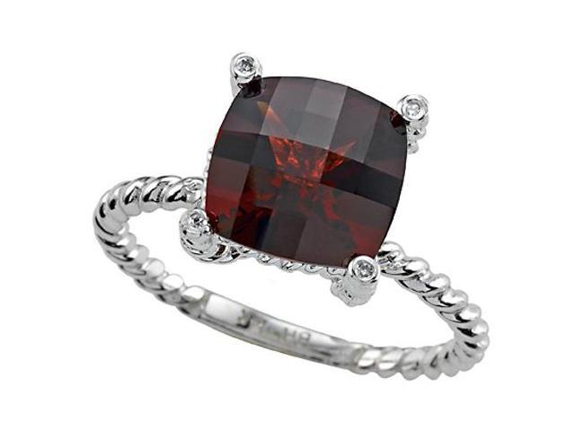 Genuine Garnet Ring by Effy Collection in 14 kt Yellow Gold Size 4.5