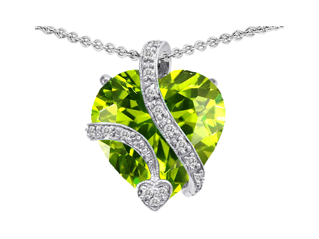 Star K Large 15mm Heart Shaped Simulated Peridot Love Pendant in Sterling Silver