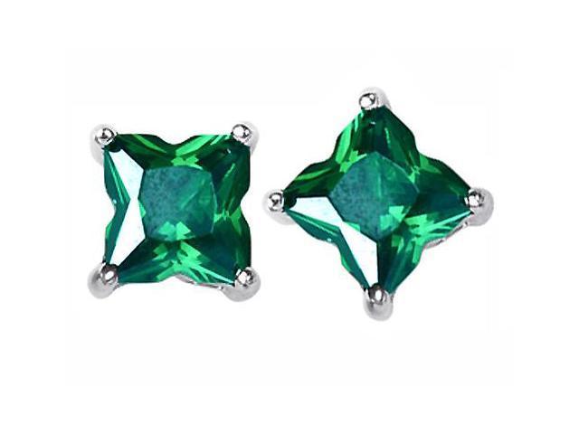 Star K Fancy Cut Star Shape Earrings Studs with Simulated Emerald in Sterling Silver