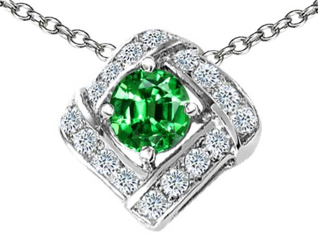 Star K Round Simulated Emerald Pendant in Sterling Silver